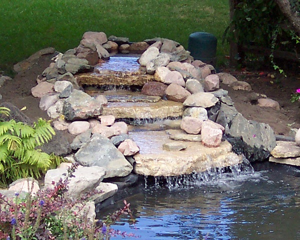 construct a pond that the liner